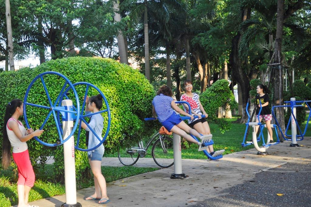 Giảm stress bằng việc tập luyện cùng máy tập công viên